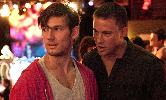 "(L-r) ALEX PETTYFER as Adam/The Kid and CHANNING TATUM as Mike in Warner Bros. Pictures' dramatic comedy ""MAGIC MIKE,"" a Warner Bros. Pictures release.Photo by Claudette Barius"