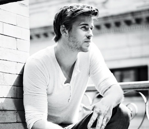Liam-Hemsworth.MensHealth.1