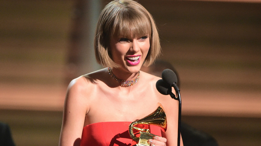 taylor-swift-grammys-2016-gi